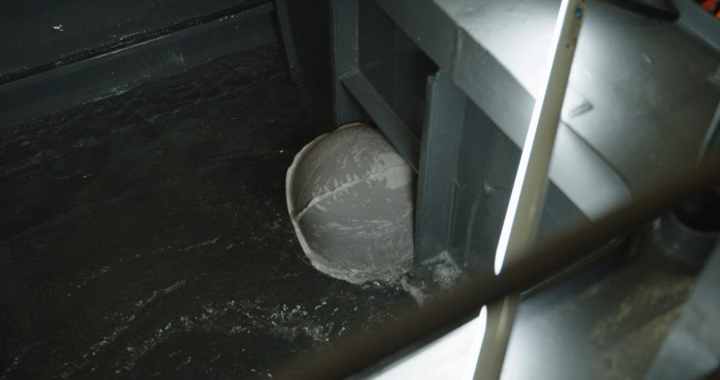 200326_LeakStopGun_Marine_Main_v1_02.00_01_31_14.Still021